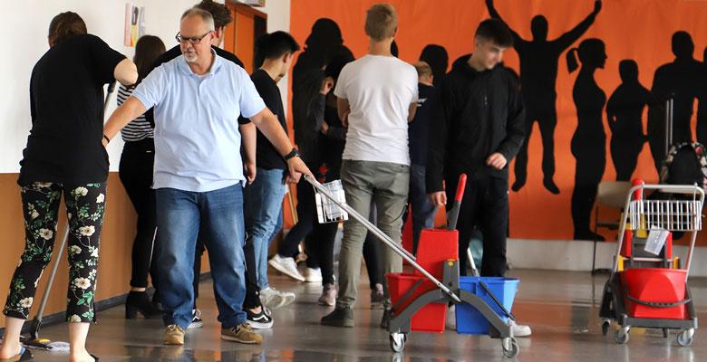 KURS – Zusammenarbeit mit Schulen - gepe Gebäudedienste Peterhoff GmbH