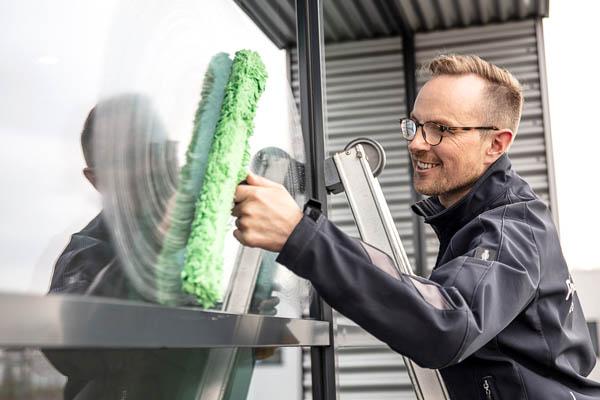 Glas-, Bau- und Sonderreinigung - gepe Gebäudedienste Peterhoff GmbH